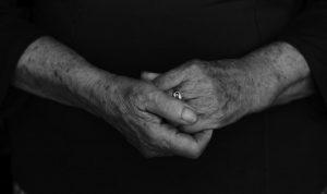 """Canción """"Mama"""" manos q me guiaron y me guían. Sonia Valbuena Asensio"""
